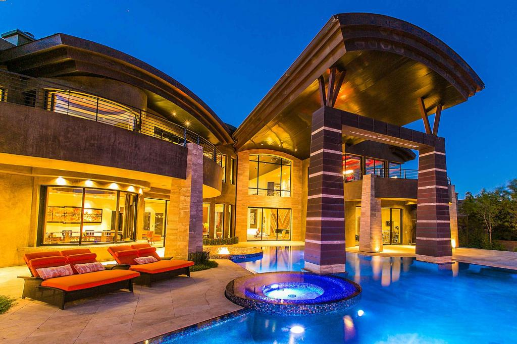 2 big luxury mansions maylee.show 102