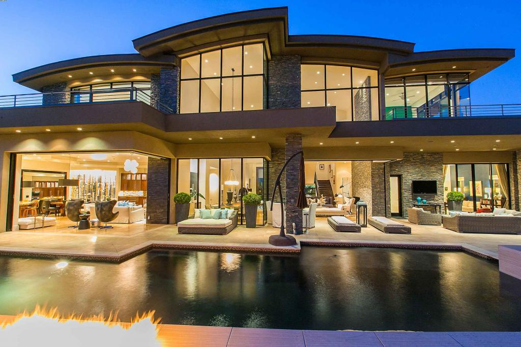 4 big luxury mansions maylee.show 102